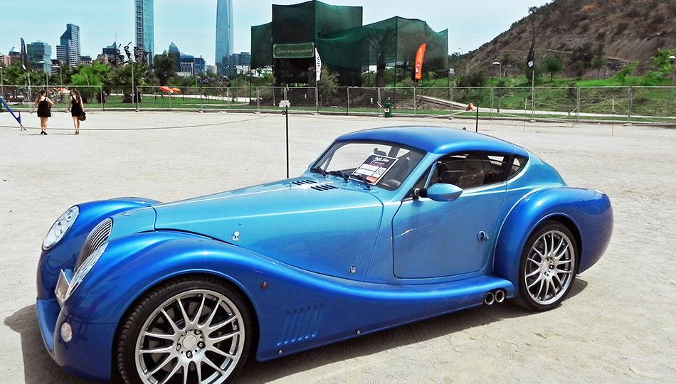 Concurso y exposición de autos clásicos Anglo Cars en Parque Bicentenario de Vitacura (2014).
