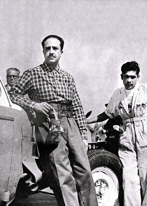 Eugenio Velasco y su copiloto Nicolás Meneses
